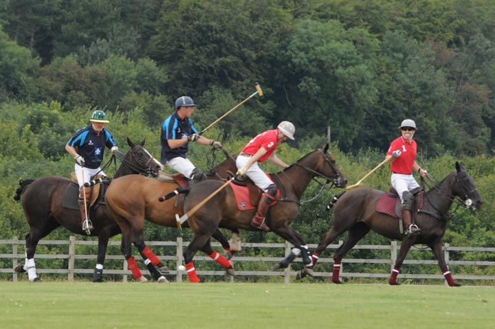 contactar a camino real polo club